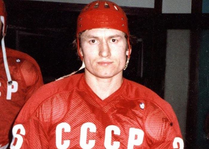 хоккеист Александр Скворцов