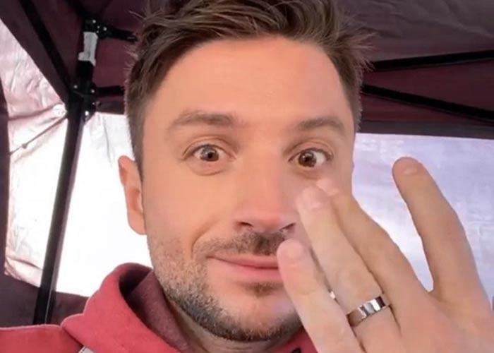 Сергей Лазарев с обручальным кольцом