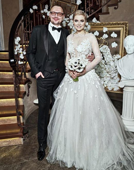 Лена, ленина вышла замуж в платье за 10 млн рублей