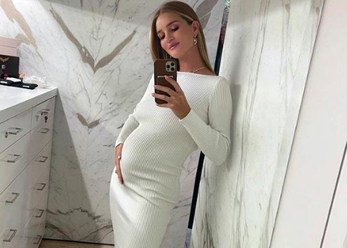 беременная Роузи Хантингтон-Уайтли