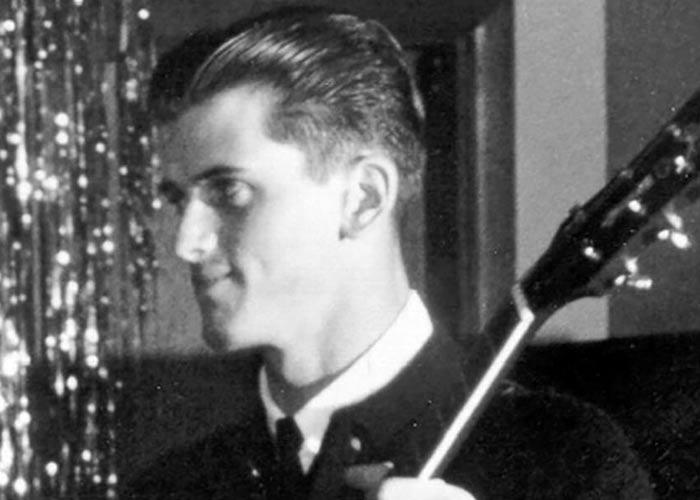 музыкант Майк Митчелл