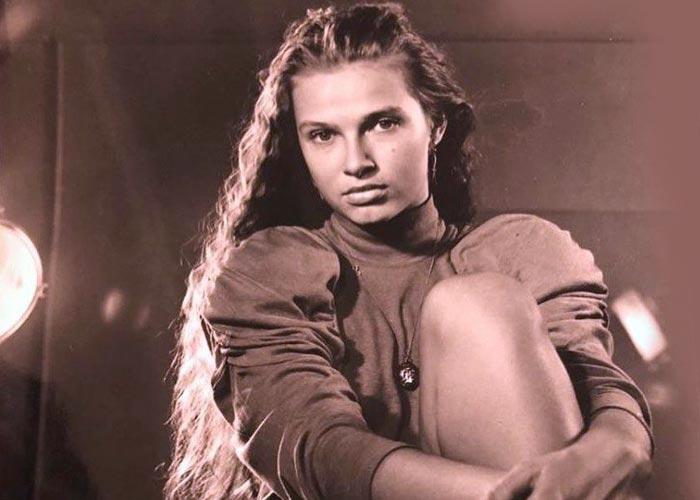 Эвелина Бледанс в юности