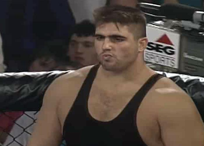 Боец MMA Пол Вареланс