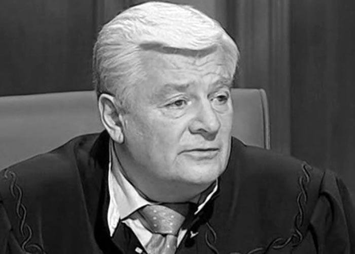 телеведущий Валерий Степанов