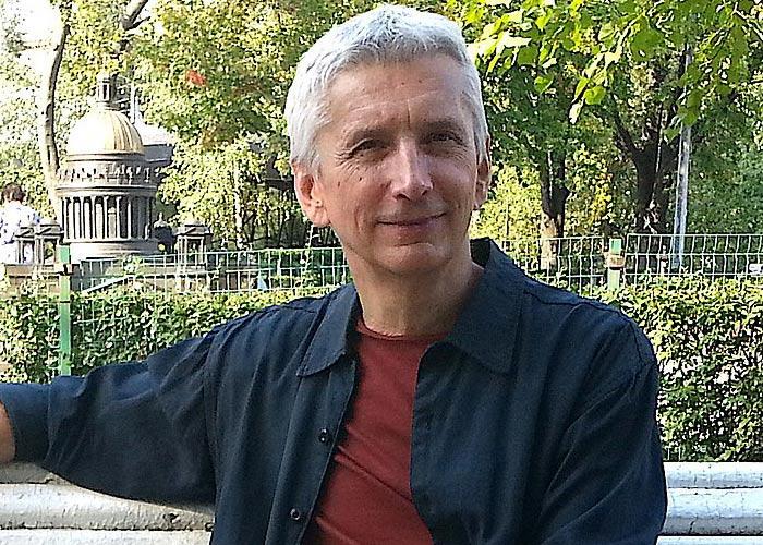 писатель Василий Голованов