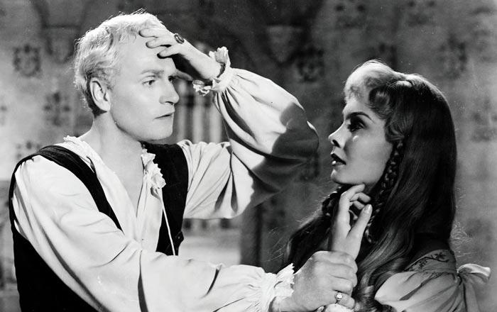 Кадр из фильма Гамлет 1948