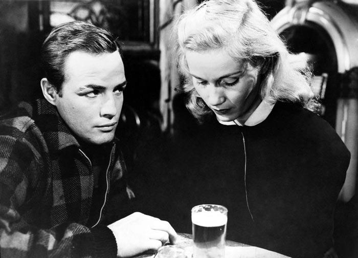 Кадр из фильма В порту 1954