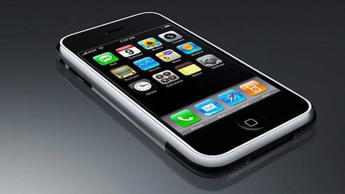 первый iPhone