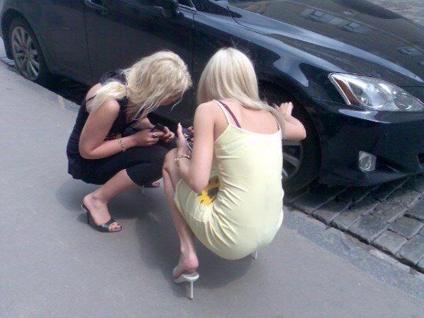 блондинка за рулем 6