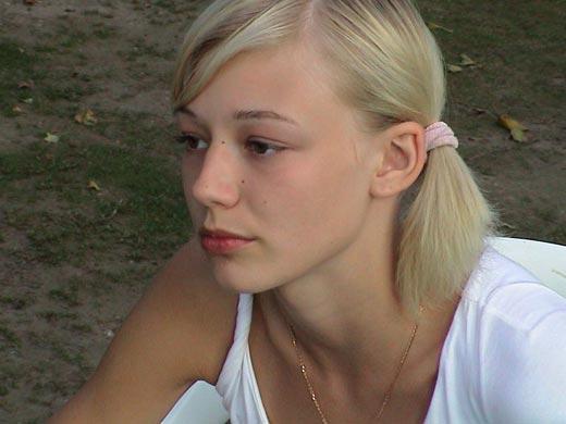Оксана Акиньшина в юности