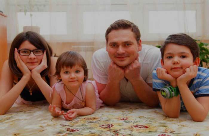 Александр Пашков с детьми от первого брака
