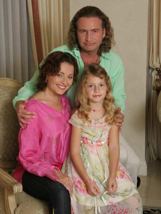 Анжелика Варум и Леонид Агутин с дочерью