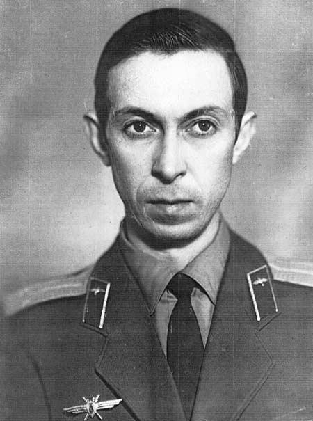 Аркадий Северный летчик