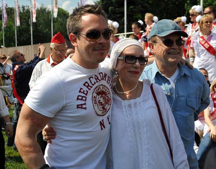 Инна Чурикова и Глеб Панфилов с сыном