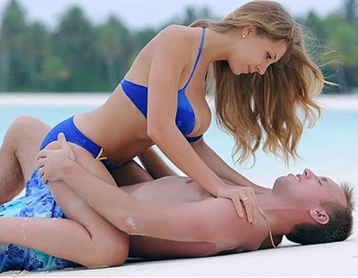 Денис Глушаков с женой 2