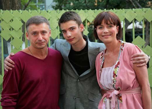 Екатерина Семенова с Антоном Табаковым и сыном Никитой