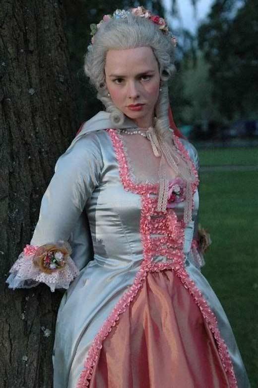 Елена Николаева Пером и шпагой