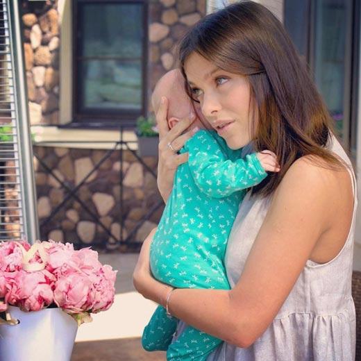 Елена Темникова и дочь Александра