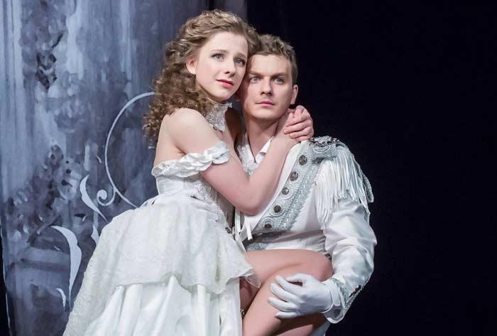 Елизавета Арзамасова и Филипп Бледный 2