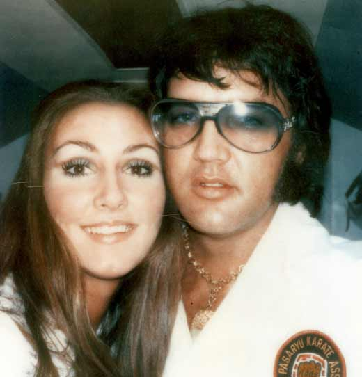 Элвис Пресли и Линда Томпсон 1
