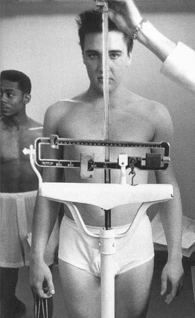 Элвис Пресли на весах