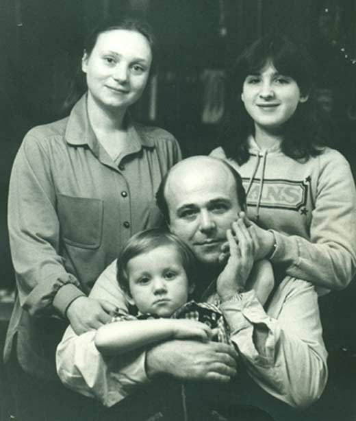 Евгения Глушенко и Александр Калягин с детьми