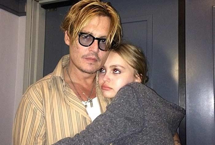 Лили-Роуз с отцом Джонни Деппом