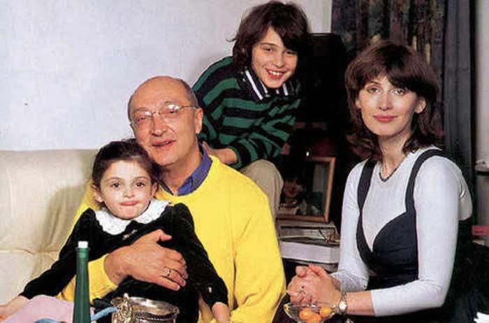Михаил Козаков и Анна Ямпольская с детьми