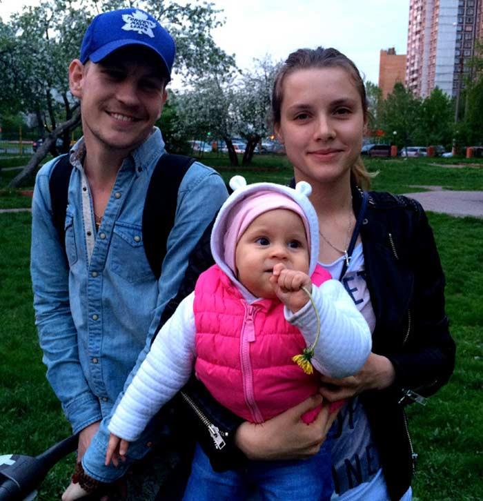 Никита Тезин и Любовь Баханкова с дочерью Варварой
