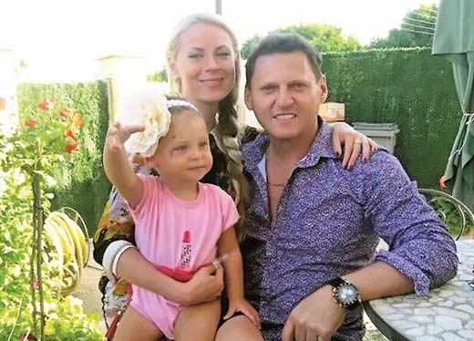 Оксана Скакун с гражданским мужем Уильямом и дочерью