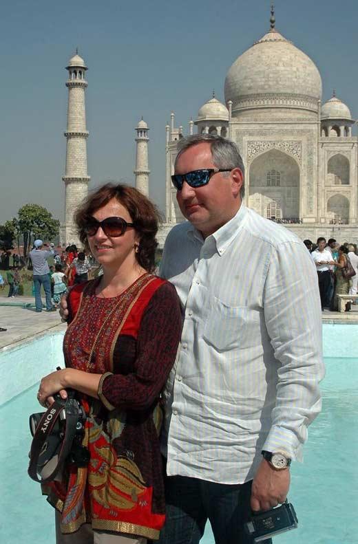 Дмитрий Рогозин с женой 3