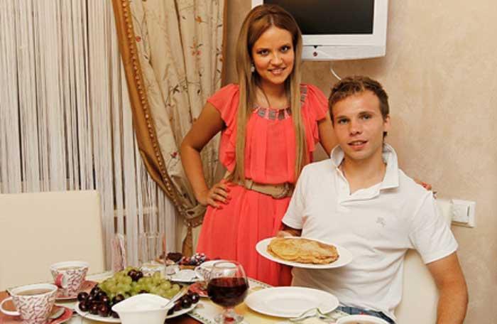 Роман Шишкин с женой