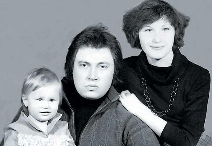 Сергей Степанченко с женой Ириной и дочерью
