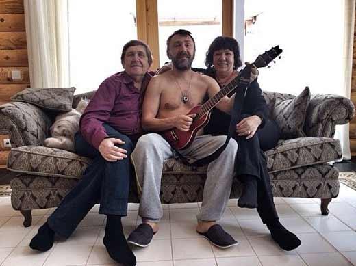 Сергей Шнуров с родителями