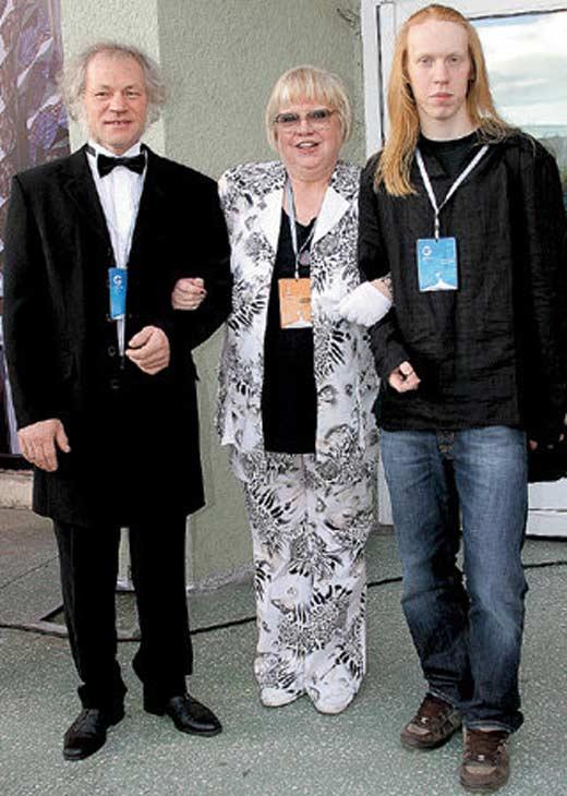 Светлана Крючкова с третьим мужем и сыном Александром