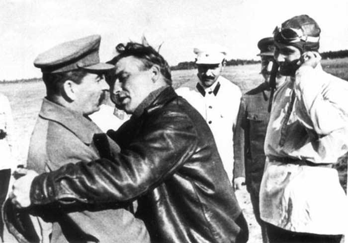 Валерий Чкалов и Сталин
