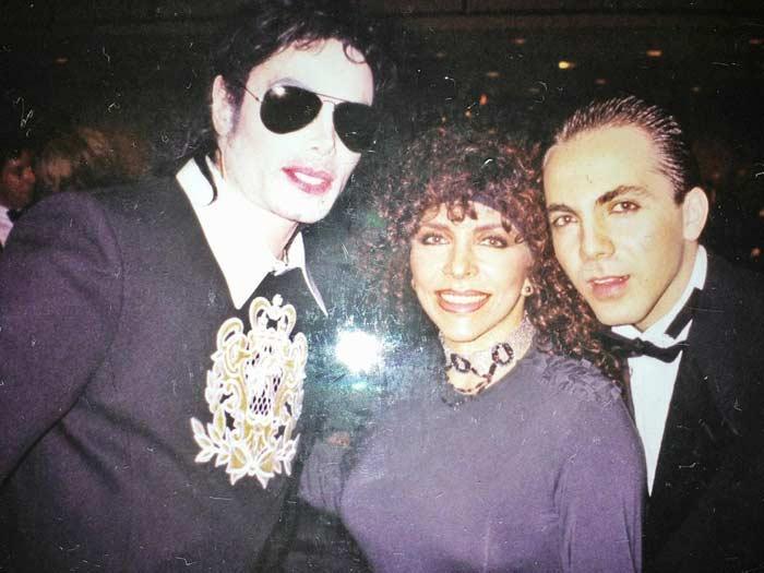 Вероника Кастро с сыном Кристианом и Майклом Джексоном