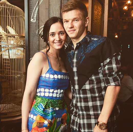 Олег Шатов и жена Виктория 1