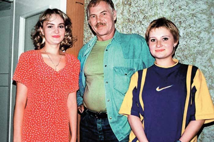 Владимир Гостюхин с дочерьми Ириной и Маргаритой