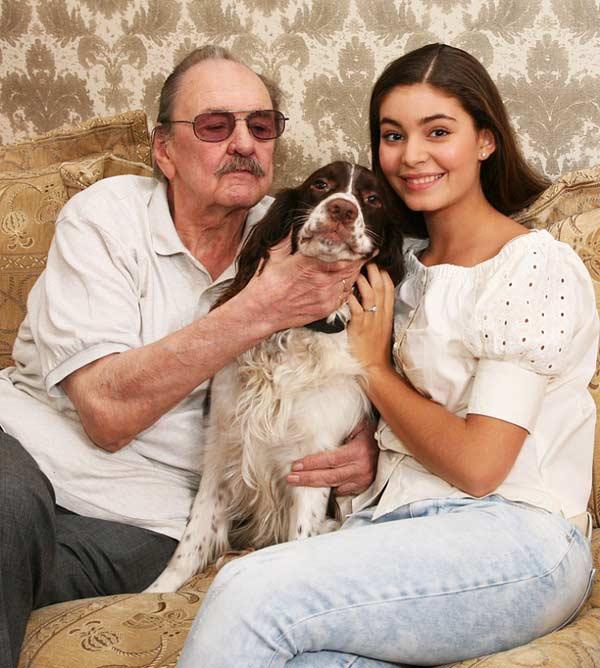 Юрий Яковлев и внучка Мария Козакова