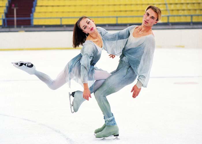 Александр Жулин и Майя Усова на льду