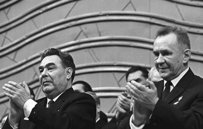 Алексей Косыгин и Леонид Брежнев