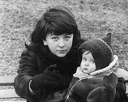 Алла Сурикова и дочь Кира