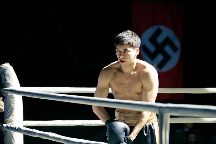 Антон Момот Апперкот для Гитлера