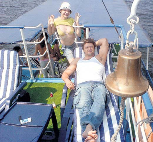 Эдуард Трухменёв со своей девушкой