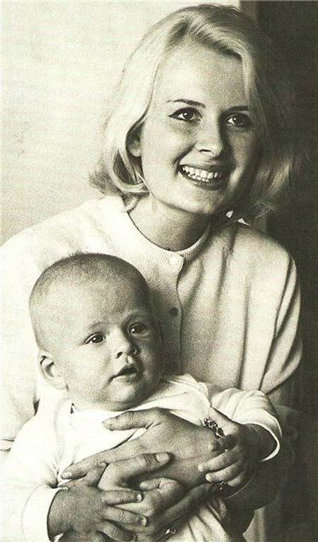 Эве Киви с сыном
