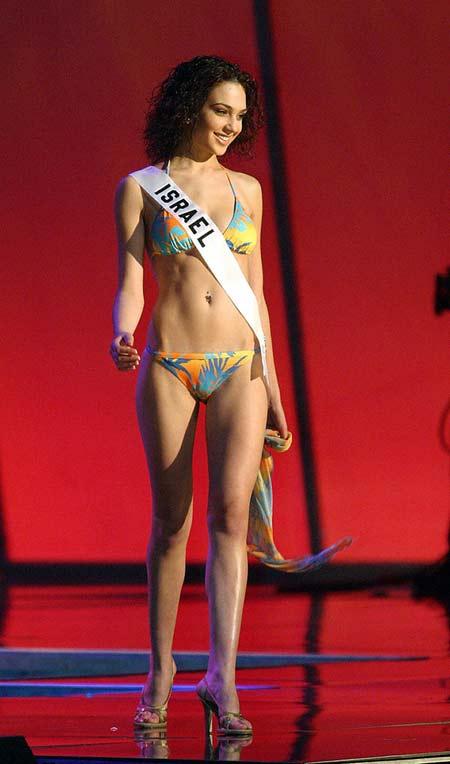 Галь Гадот на конкурсе Мисс Вселенная