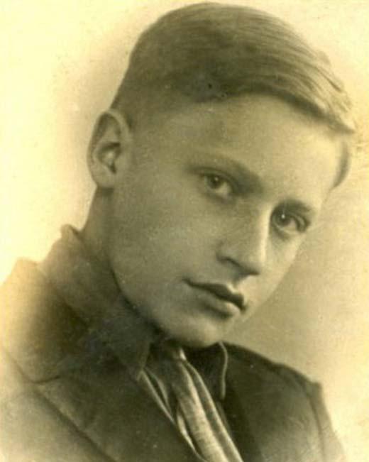 Игорь Владимиров в юности