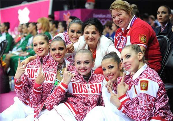 Ирина Винер со своими ученицами