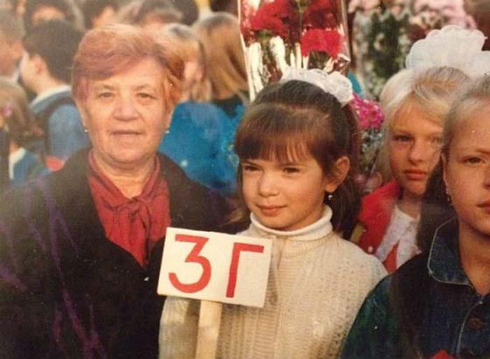 Катя Жужа в детстве